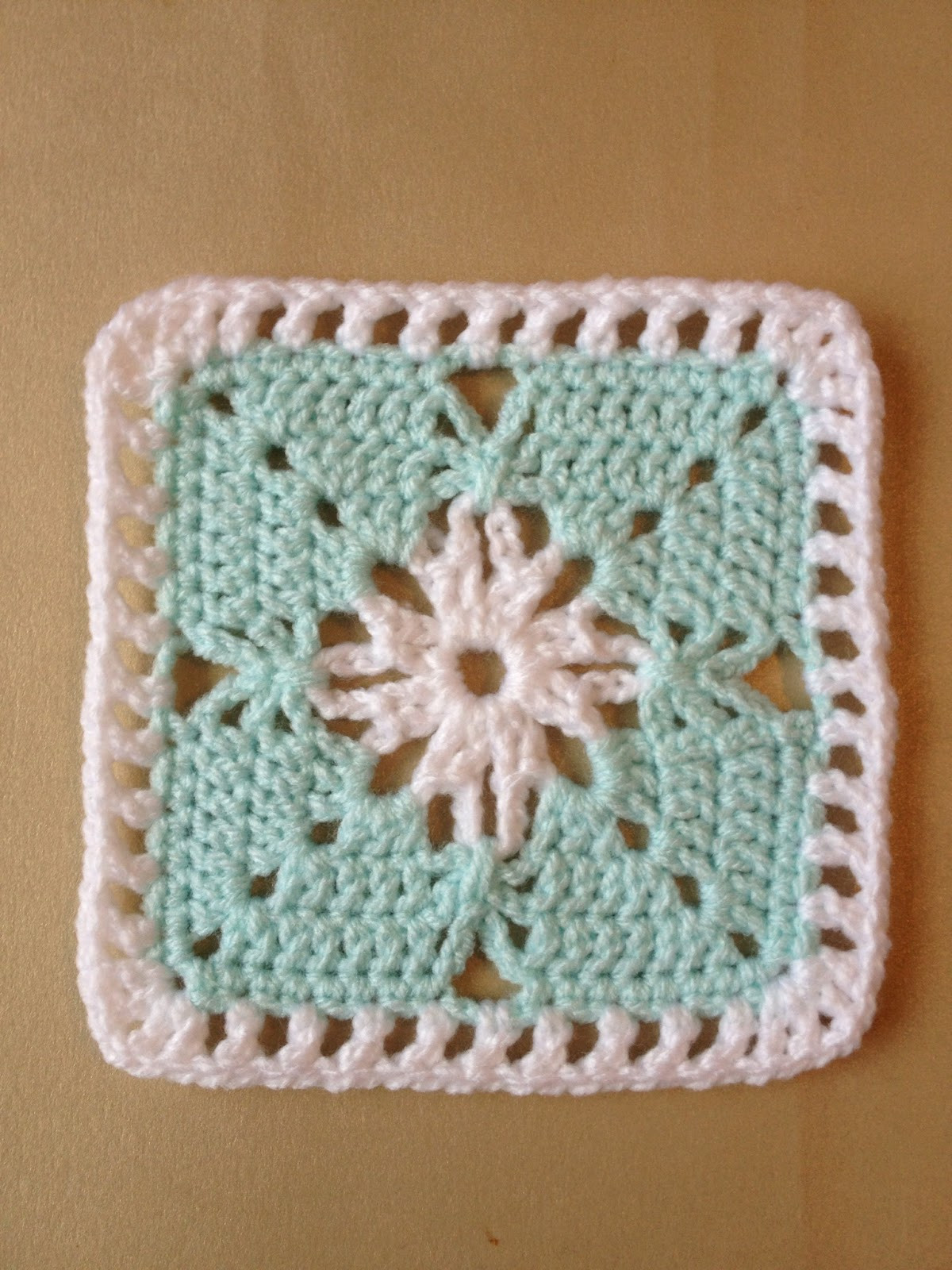 Awesome 365 Granny Squares Project Simple Effect Using Chain Granny Square Stitch Of Gorgeous 40 Ideas Granny Square Stitch