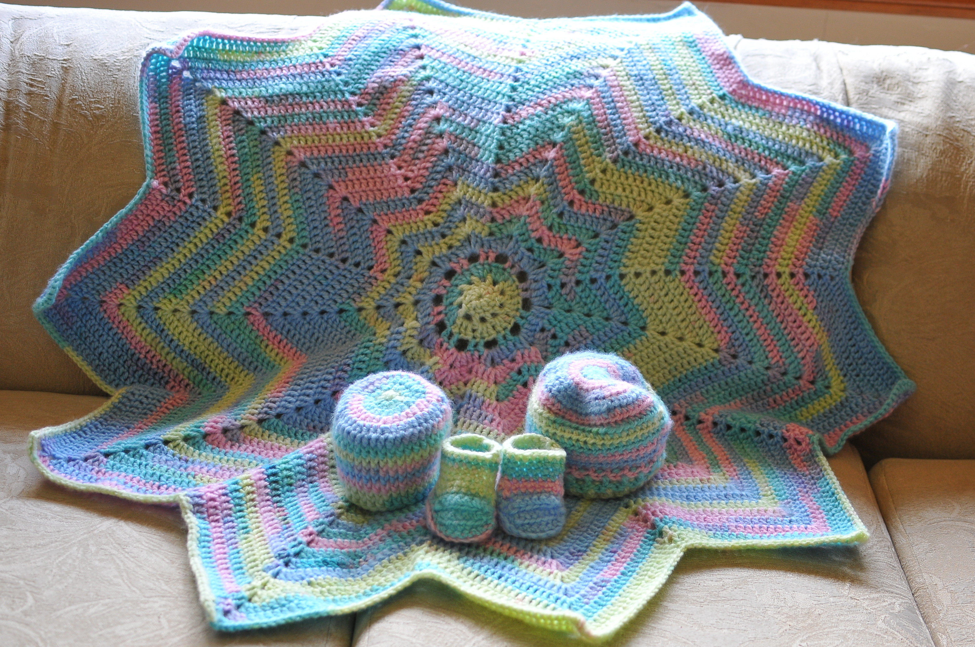 Awesome Baby Blanket – Colouring with Yarn Best Yarn for Blankets Of Amazing 47 Photos Best Yarn for Blankets