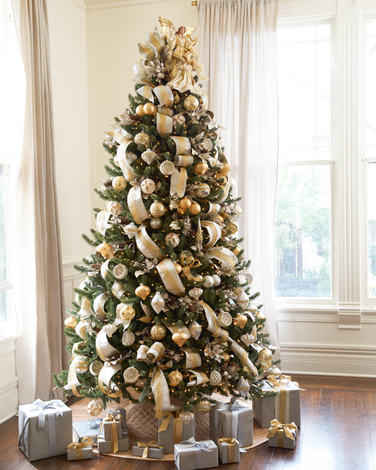 Awesome Christmas Tree Decorations Gold and Silver Christmas Tree and Decorations Of Delightful 50 Pictures Christmas Tree and Decorations