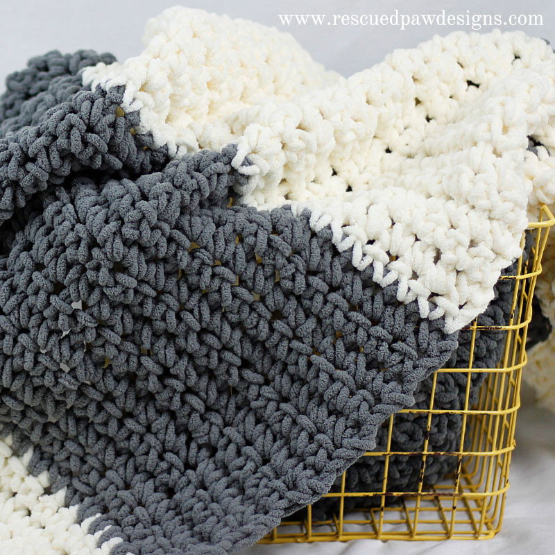 Awesome Chunky and Warm Take A Look at Internet's Favorite Diy Chunky Yarn Crochet Blanket Of Perfect 50 Pictures Chunky Yarn Crochet Blanket