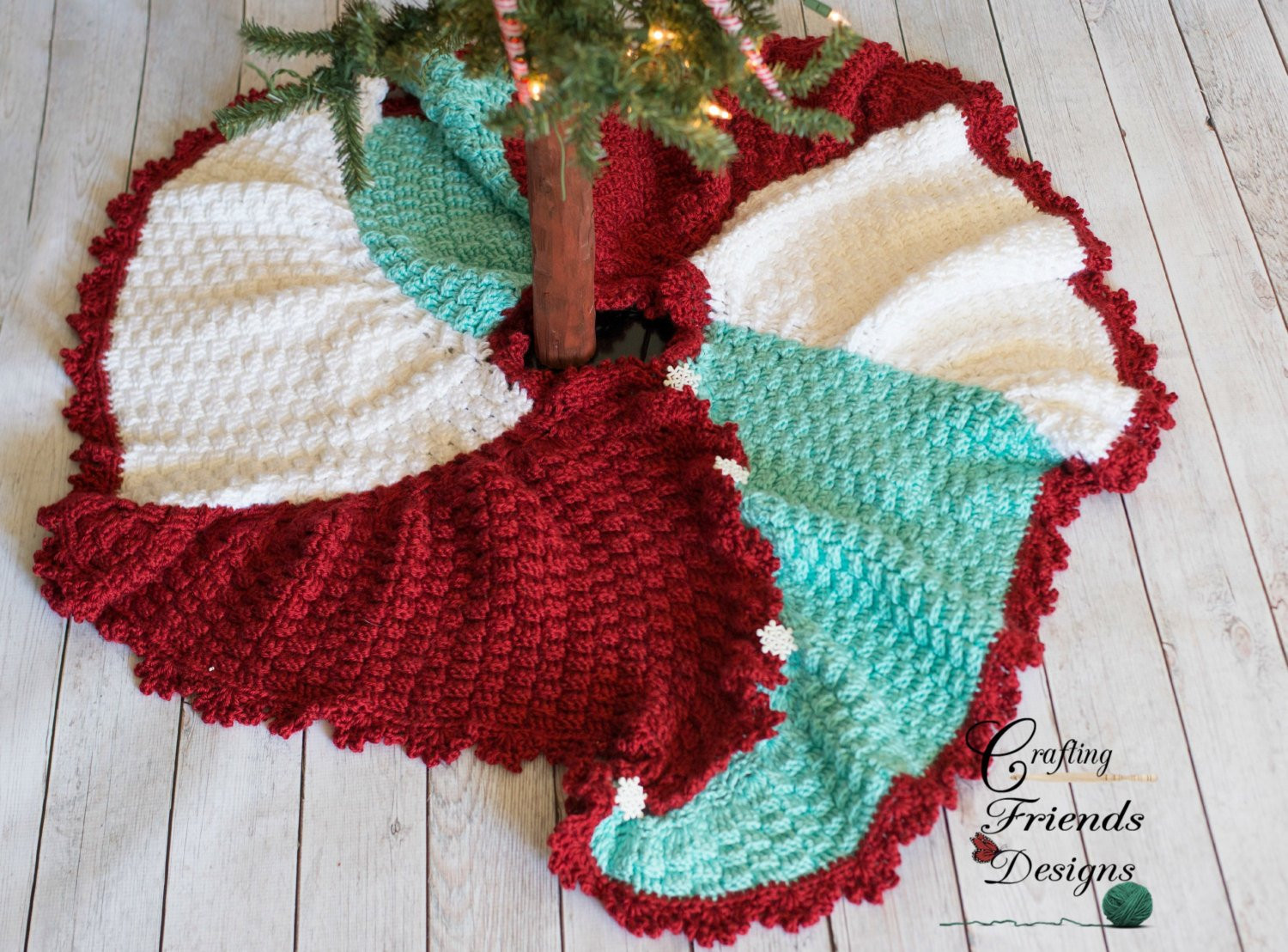 Awesome Crochet Pattern Trisquare Swirl Christmas Tree Skirt Warm Crochet Tree Skirt Of Innovative 45 Ideas Crochet Tree Skirt