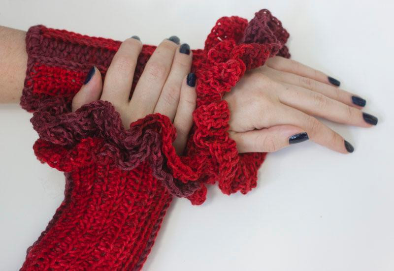 Awesome Crochet Ruffle Edge Tutorial and Patterns Wrist Warmers Crochet Pattern Of Lovely 50 Models Wrist Warmers Crochet Pattern