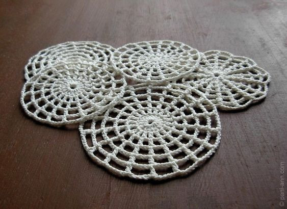 Awesome Crochet Spider Web Pattern or Coaster Russian Site but Crochet Spider Web Of Beautiful 48 Models Crochet Spider Web