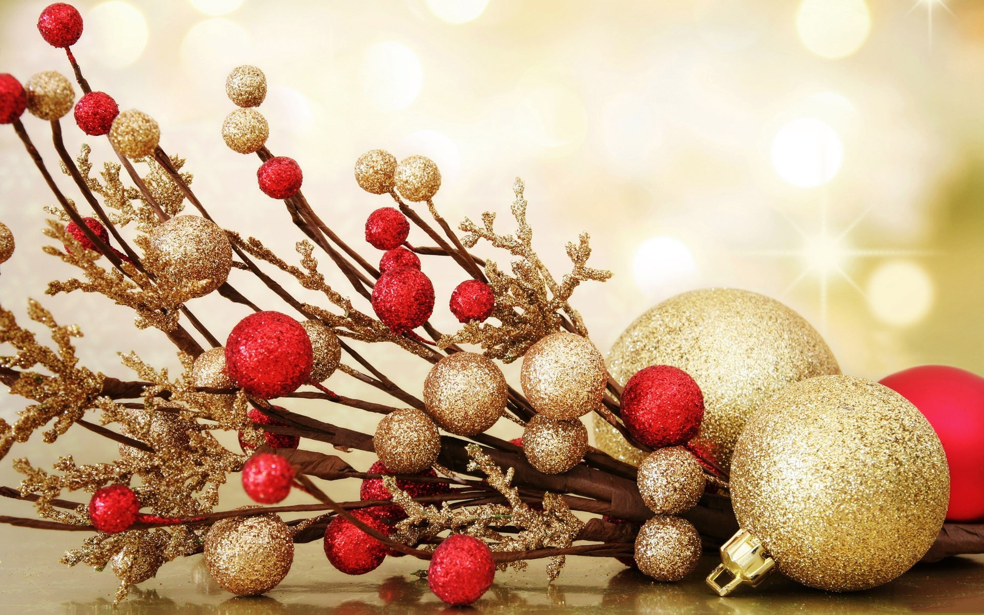 Awesome Dazzling Gold Christmas Decoration Inspirations Red Christmas Decorations Of Fresh 42 Images Red Christmas Decorations