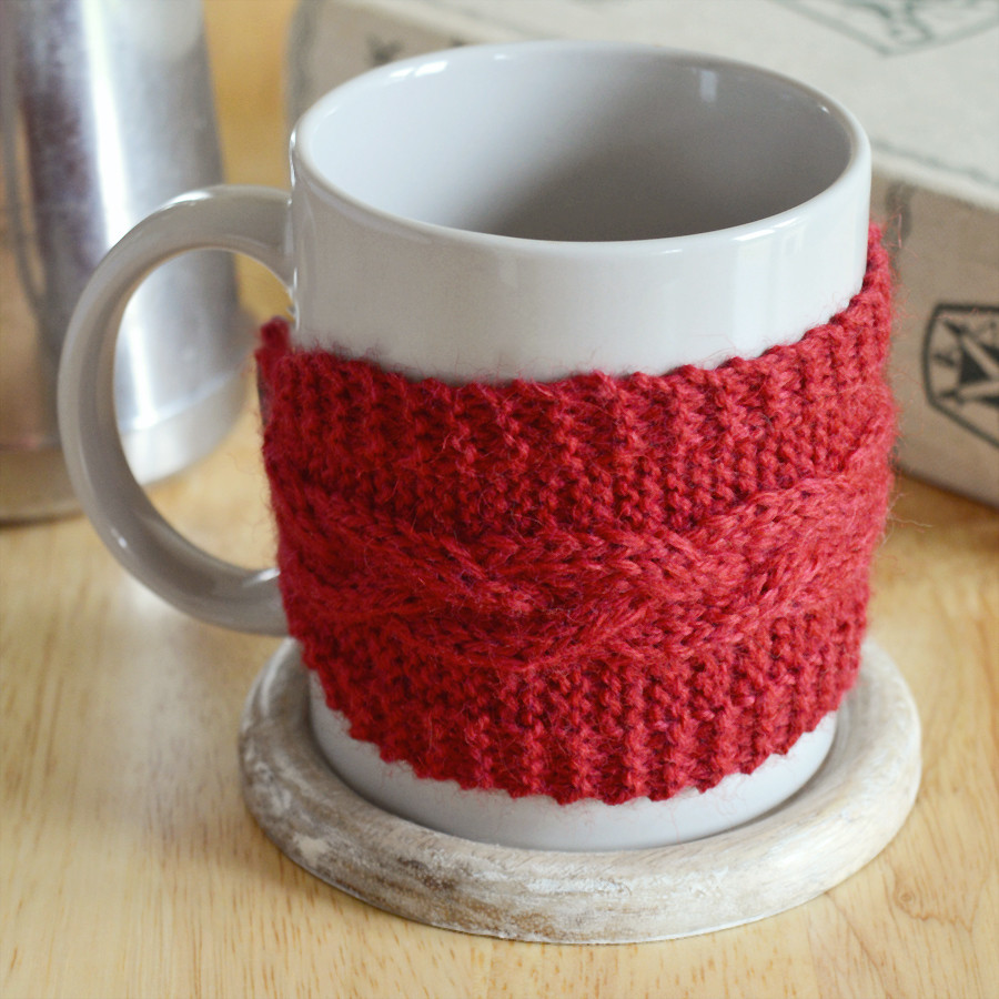 DIY braided cable mug cosy with free pattern