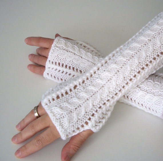 Awesome E Skein Knitting Patterns Knitted Fingerless Mittens Of Luxury 48 Images Knitted Fingerless Mittens
