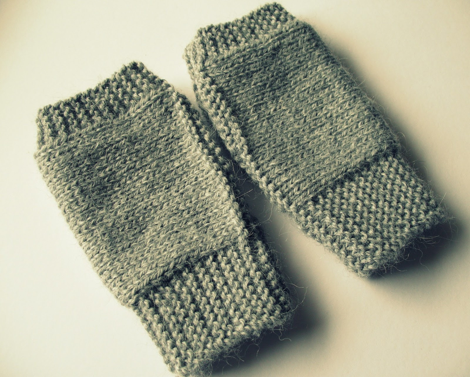 eclectic me Easy Fingerless Mitts