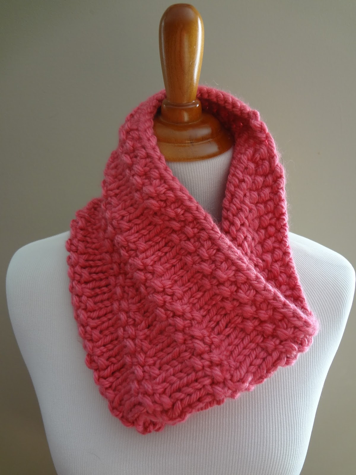 Awesome Fiber Flux Free Knitting Pattern Bubblegum Cowl Knitted Cowl Of Brilliant 41 Models Knitted Cowl
