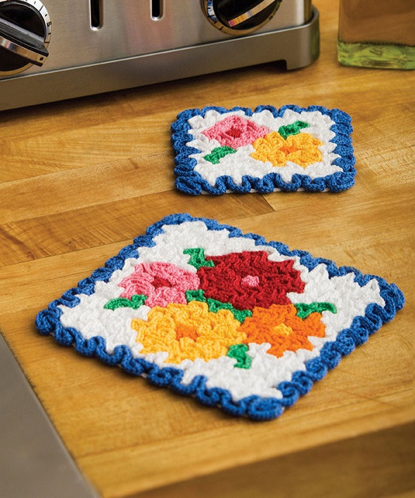 free may flowers hot pad coaster set crochet pattern from redheart