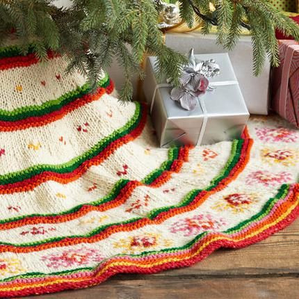 Awesome Heirloom Hand Knit Tree Skirt Christmas Knit Tree Skirt Pattern Of Delightful 49 Images Knit Tree Skirt Pattern