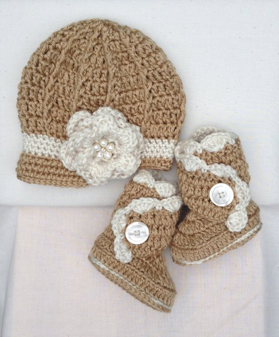 Items similar to Crochet Baby Hat and Boots Crochet Baby