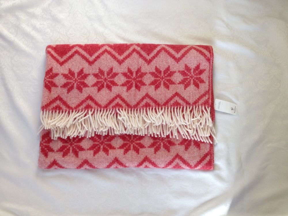 Awesome Klippan Of Sweden Red White Snowflake Blanket Throw W Snowflake Blanket Of Lovely 50 Models Snowflake Blanket