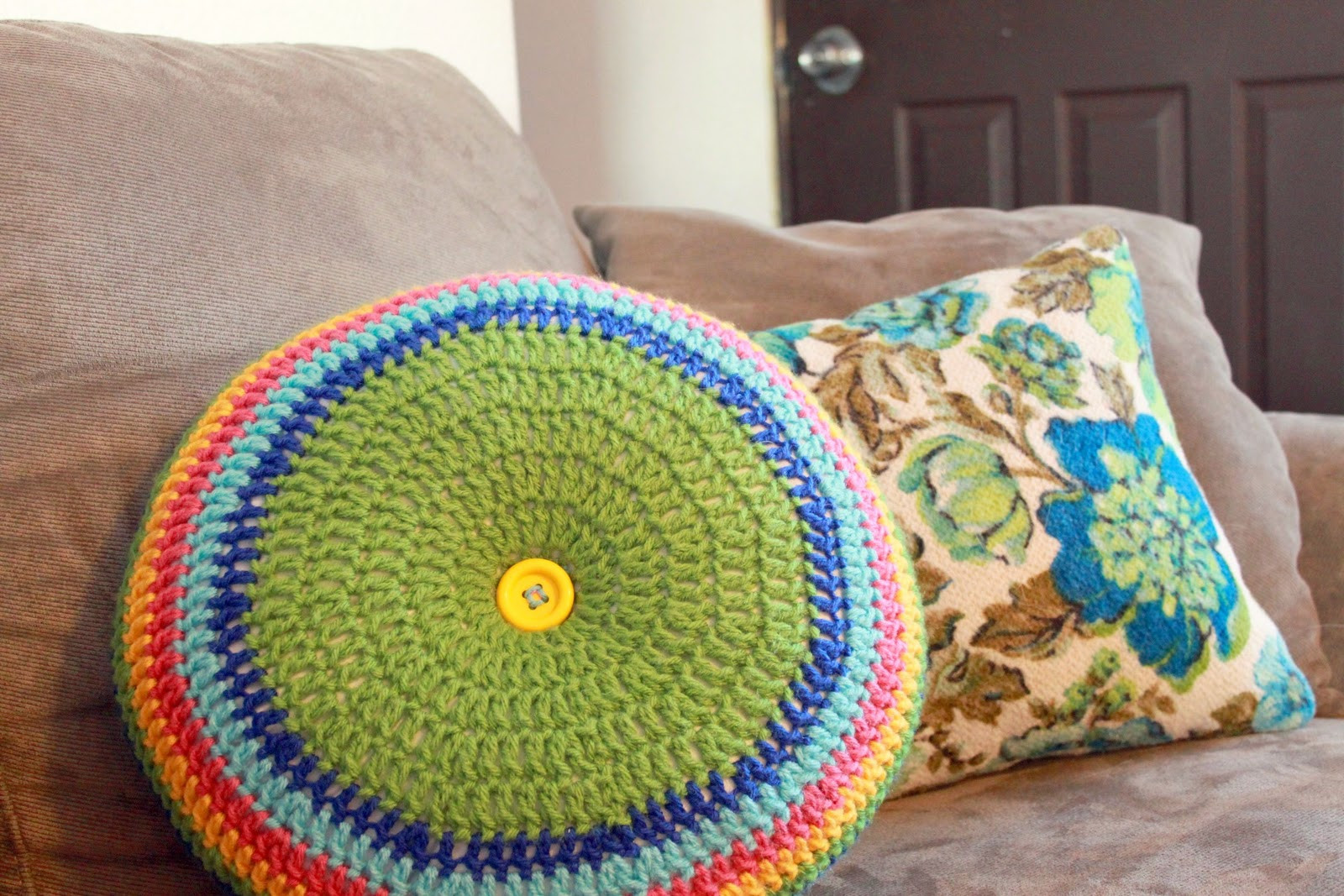 Awesome Materials Crochet Round Pillow Of Contemporary 43 Models Crochet Round Pillow