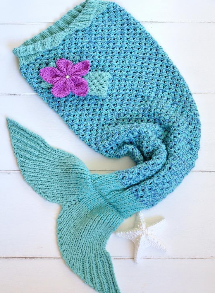 Mermaid Tail Snuggle Blanket Knitting pattern by Caroline