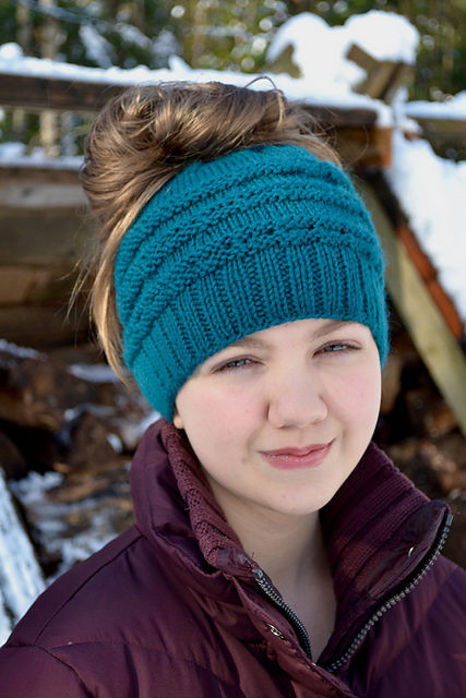 Awesome the Best Free Knit Ponytail Hat Patterns Messy Bun Ponytail Beanie Pattern Of Adorable 50 Models Ponytail Beanie Pattern