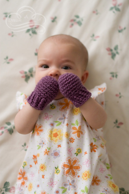 Awesome these 32 Crocheted Baby Accessories Will Look Adorable Crochet Baby Mittens Of Incredible 49 Photos Crochet Baby Mittens