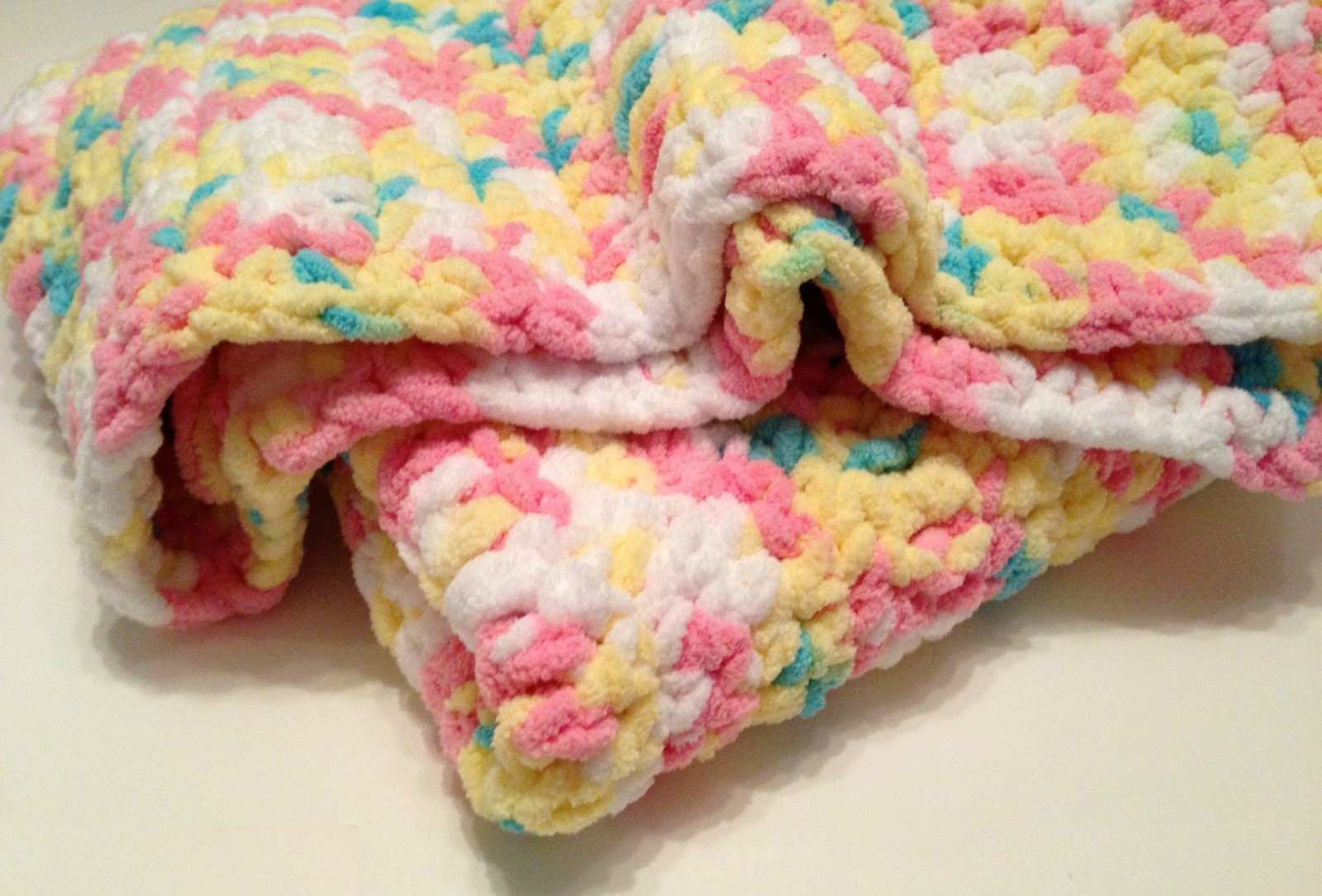 unique and beautiful crochet patterns in chunky wool blankets