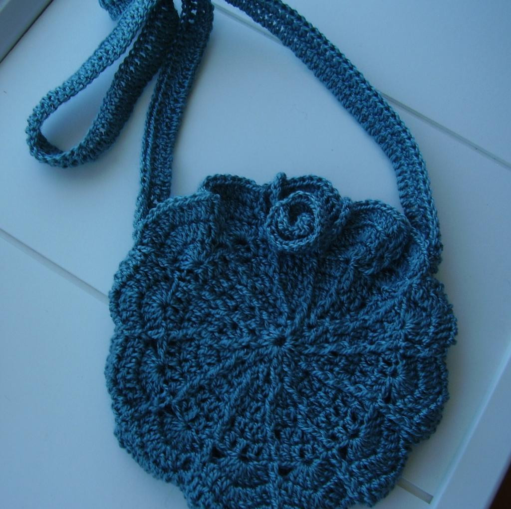 You have to see Cutest Shell Shoulder Bag on Craftsy