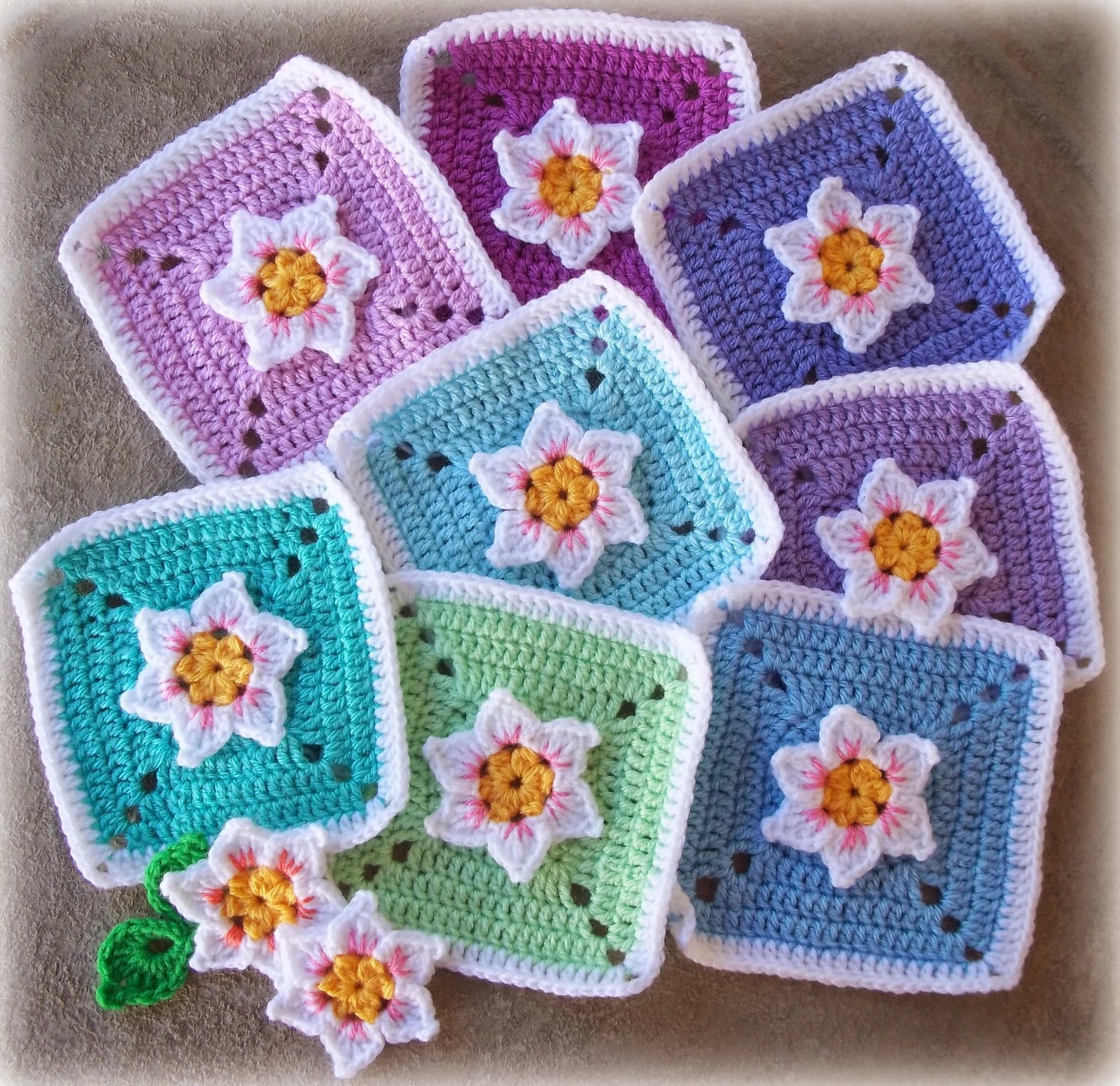 Awesome Zooty Owl S Crafty Blog Crochet Flowers Crochet Flower Square Of Brilliant 47 Models Crochet Flower Square
