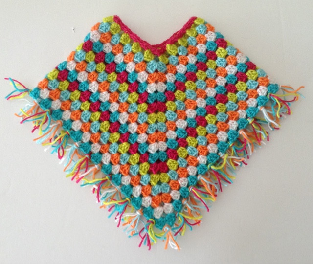 Sooz In The Shed Fringed Baby Poncho free tutorial