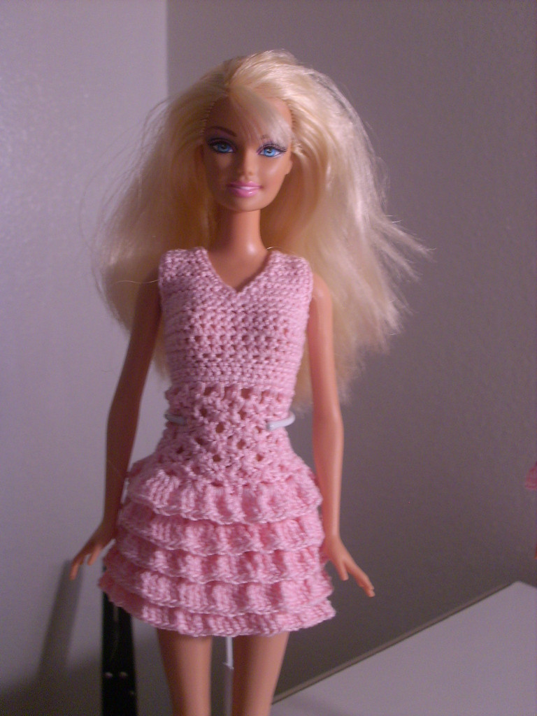 Crochet for Barbie the belly button body type Pink