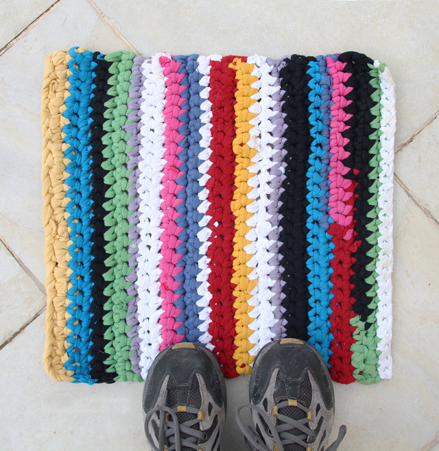 Beautiful 16 Awesome Diy Rugs to Brighten Up Your Home T Shirt Rug Crochet Of Amazing 48 Pics T Shirt Rug Crochet