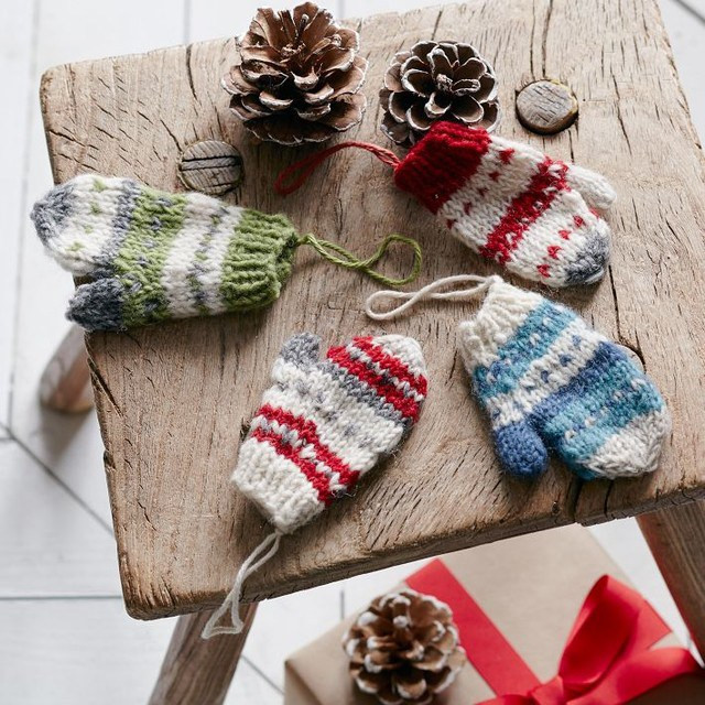 Beautiful Christmas Countdown Day 17 Mittens B Lovely events Knitted Christmas ornaments Of Incredible 50 Models Knitted Christmas ornaments