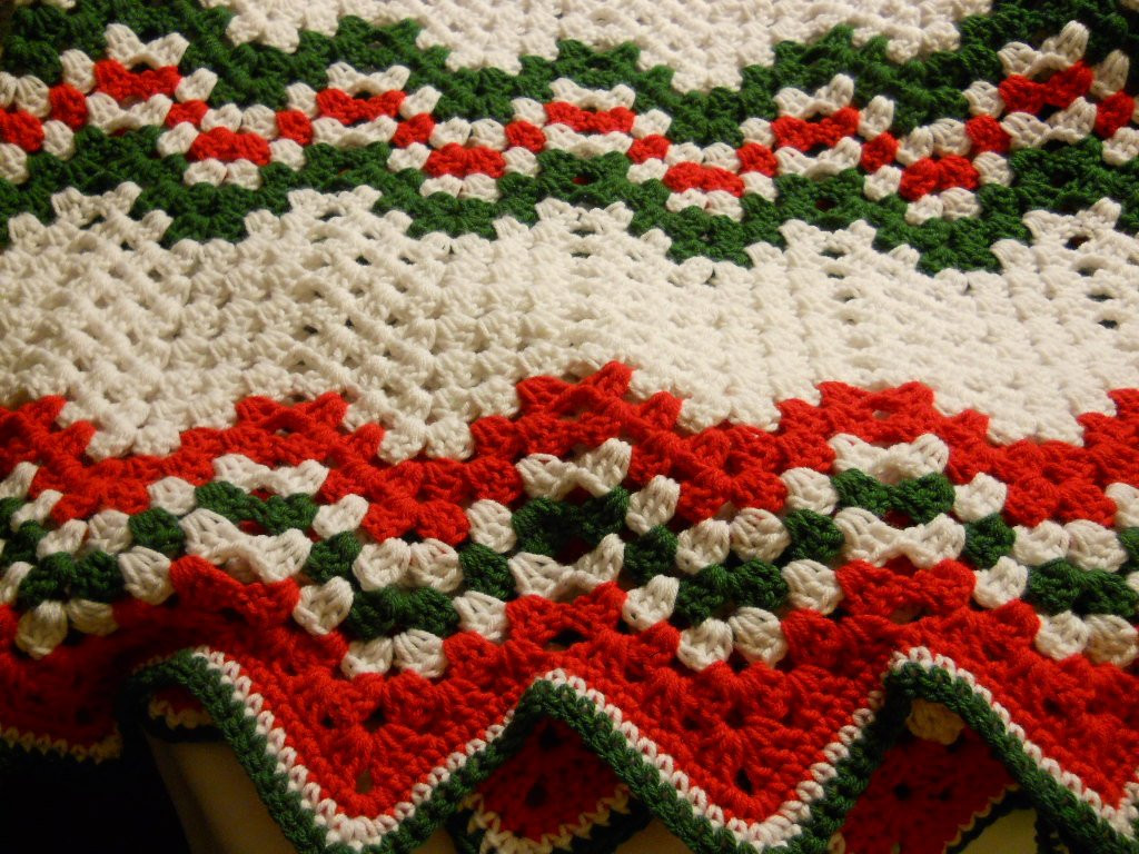 Crochet Christmas Afghan Ripple Pattern in Red Green and White