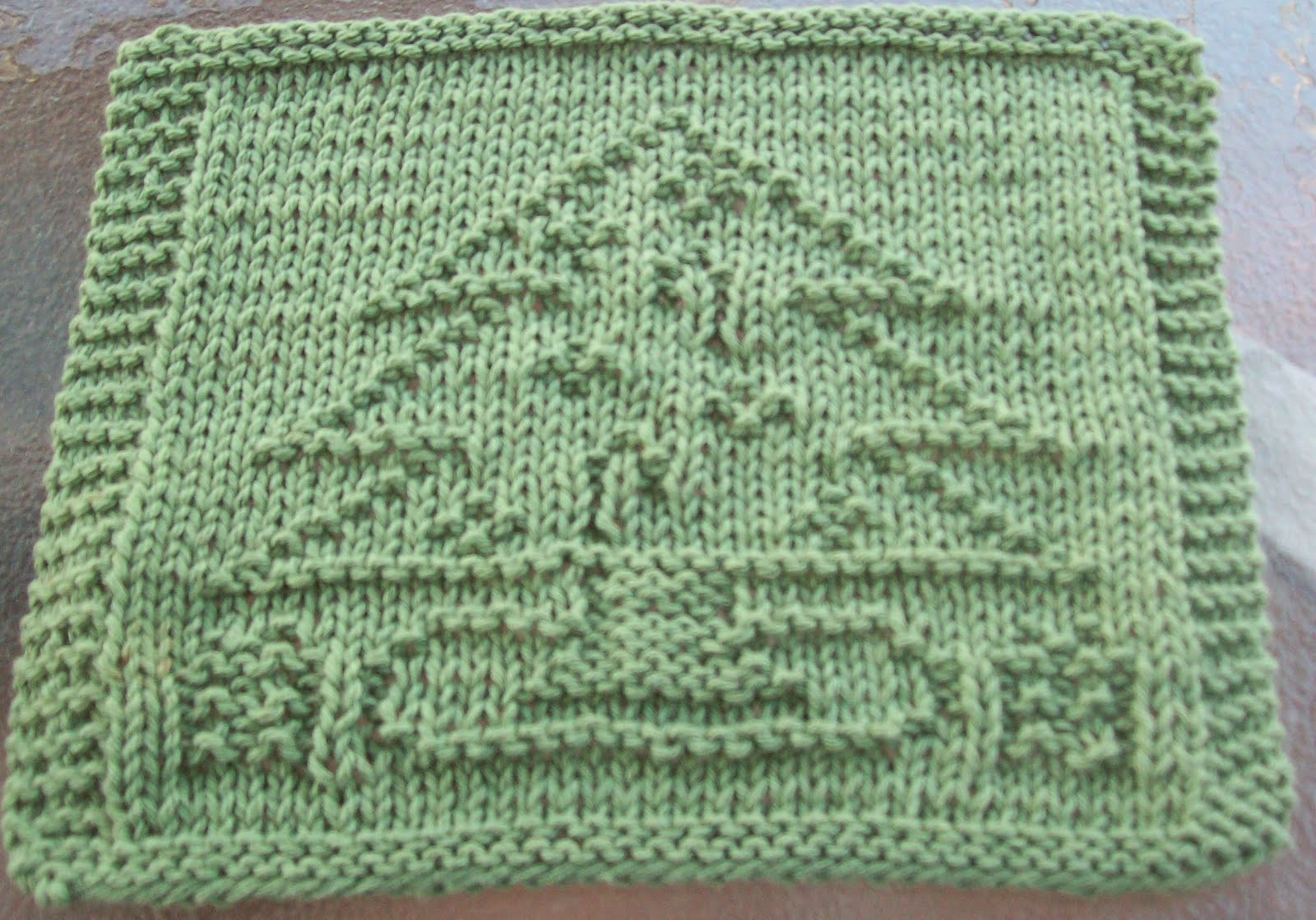 DigKnitty Designs Decorated Christmas Tree Knit Dishcloth