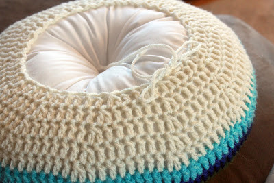 """Beautiful Easy Striped 16"""" Round Pillow Crochet Pattern Crochet Round Pillow Of Contemporary 43 Models Crochet Round Pillow"""