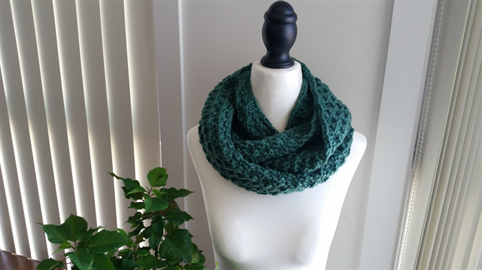 Beautiful Emerald Green Infinity Scarf Cowl Hand Knitted Acrylic Emerald Green Yarn Of Gorgeous 43 Pics Emerald Green Yarn