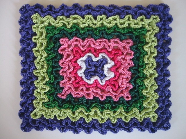 free pattern these hot pads are crocheted in rug yarn for thick heat proof protection