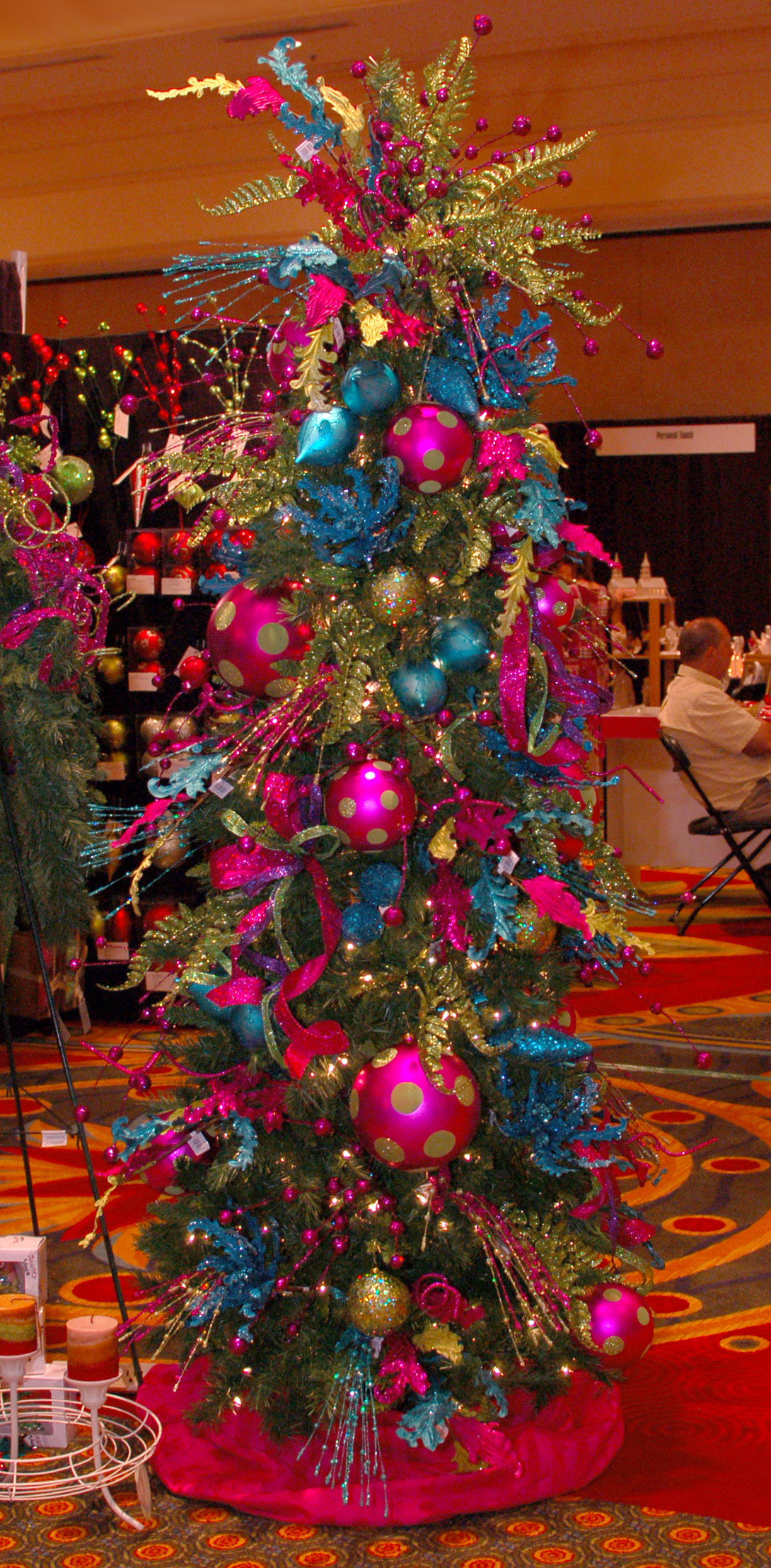 Beautiful Glitz & Glam This Ain't Your Momma's Christmas Decor Christmas Tree and Decorations Of Delightful 50 Pictures Christmas Tree and Decorations