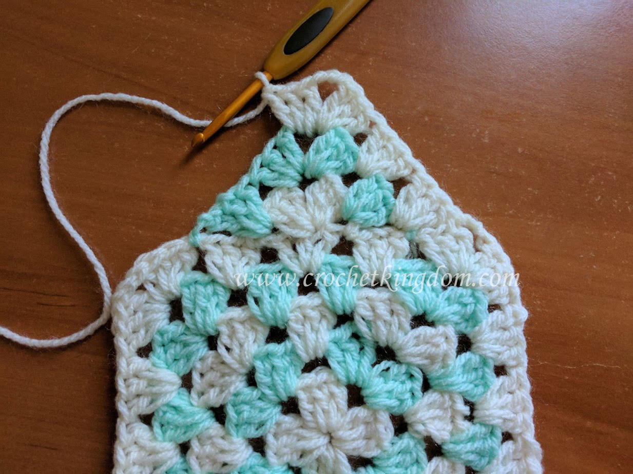 Beautiful Interesting Granny Square Blanket Tutorial ⋆ Crochet Kingdom Crochet Kingdom Of Gorgeous 50 Pictures Crochet Kingdom