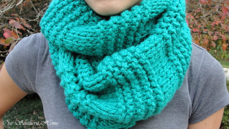 Beautiful Quick & Easy Knitted Infinity Scarf Our southern Home Bulky Yarn Scarf Pattern Of Top 47 Ideas Bulky Yarn Scarf Pattern