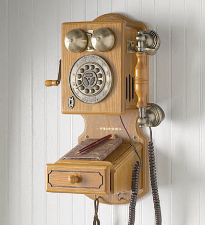 Beautiful Sunt Si Alte Lumi In Care Se Poate Canta… Old Fashioned Wall Phone Of Charming 47 Models Old Fashioned Wall Phone