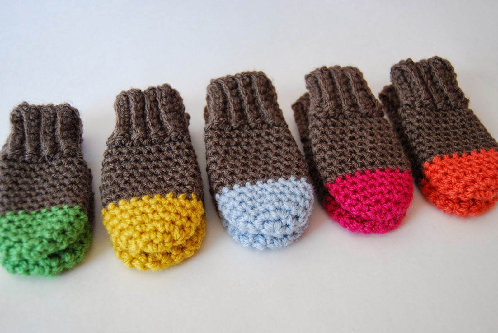 tangled happy Two Tone Baby Mittens Crochet Pattern Baby