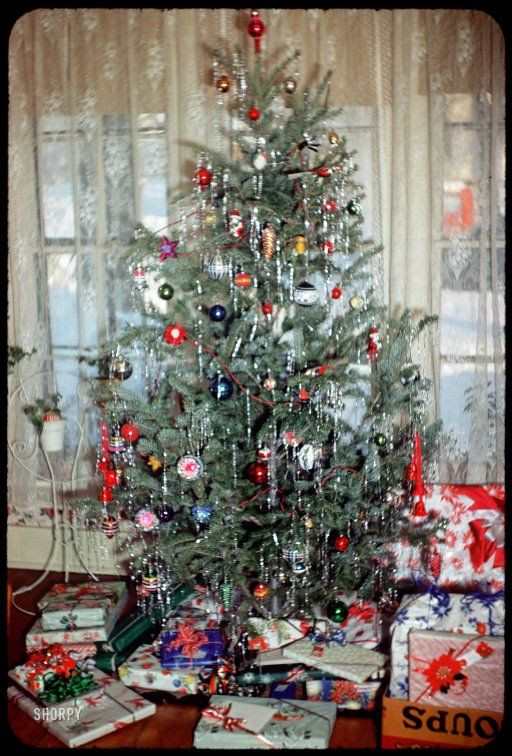Vintage Christmas Tree Decorations & Retro Xmas Ideas