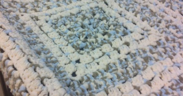Bernat Baby Blanket Super Bulky Yarn Crochet Patterns Awesome Pattern is From the Middle Made with Bernat Baby Blanket Of Luxury 48 Images Bernat Baby Blanket Super Bulky Yarn Crochet Patterns