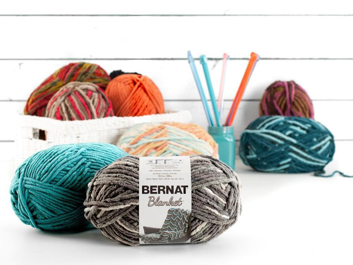 Bernat Blanket Yarn Inspirational Bernat Blanket and Blanket Brights Yarn Big Ball 300g Of Beautiful 42 Models Bernat Blanket Yarn