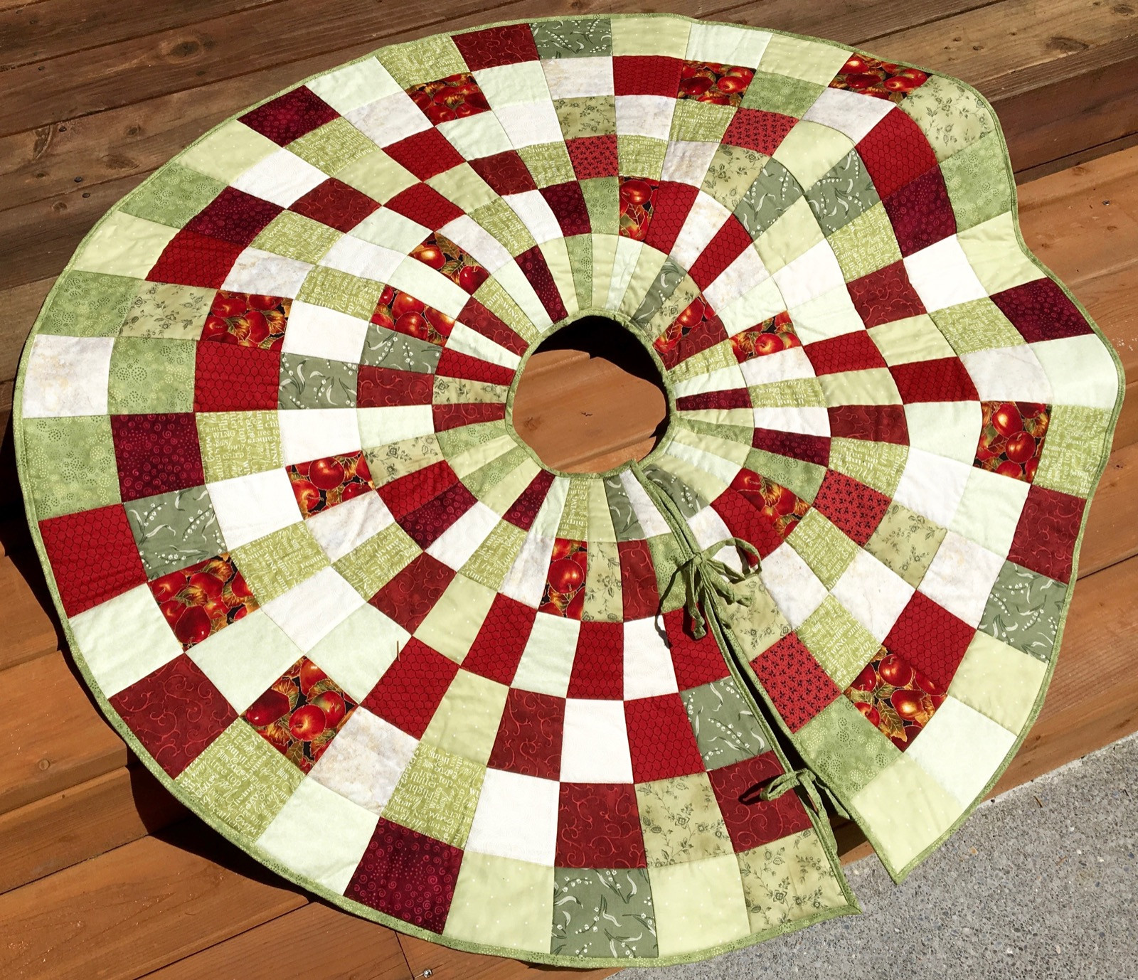 Best Of 20 Free Quilted Christmas Tree Skirt Patterns Free Tree Skirt Patterns Of Brilliant 44 Pics Free Tree Skirt Patterns