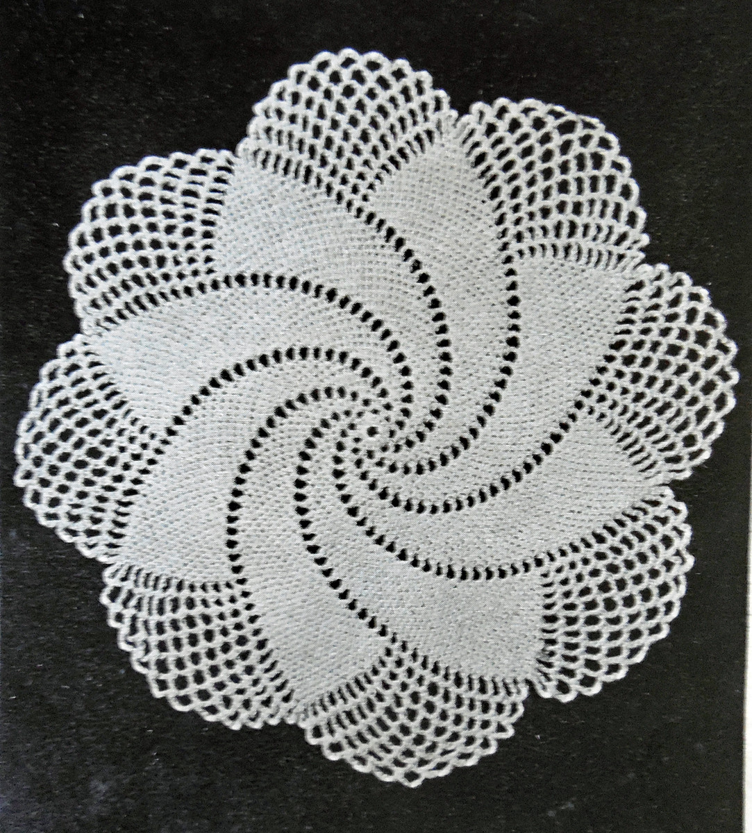 20 Vintage Doilies Take a Look Design Peak