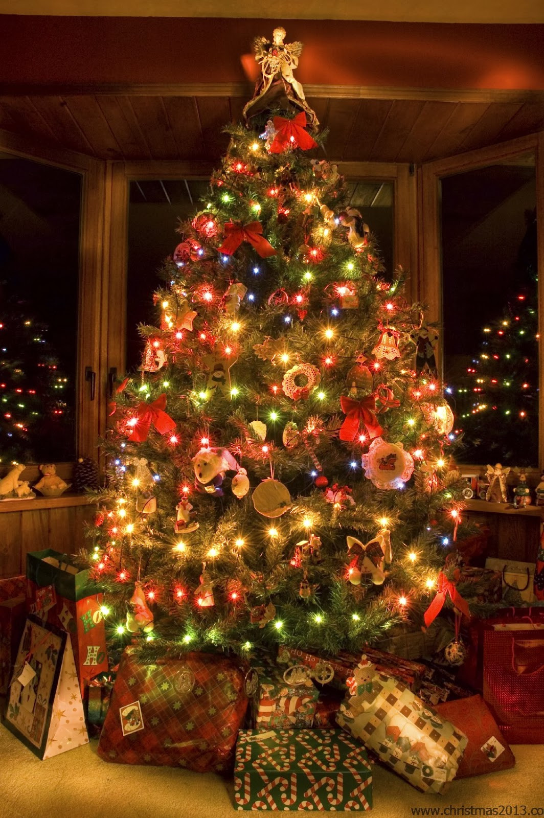 Best Of Christmas Tree Decorations & Ideas for 2013 Christmas Tree and Decorations Of Delightful 50 Pictures Christmas Tree and Decorations