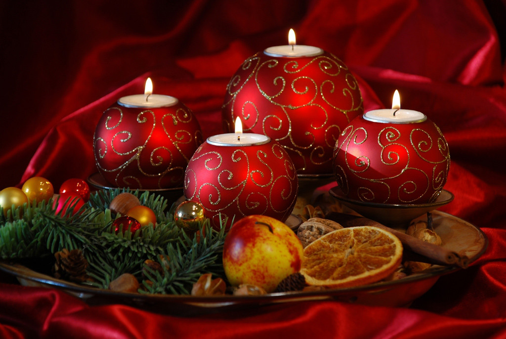 Christmas Wallpapers Red Christmas Ornaments Wallpapers