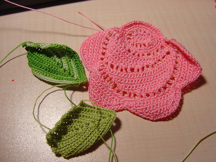 crochet roses patterns for fashion