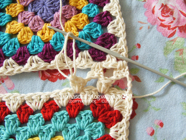 Crochet tutorial joining granny squares 15