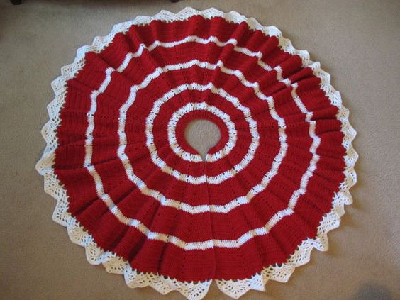 Crocheted Christmas tree skirt red and white