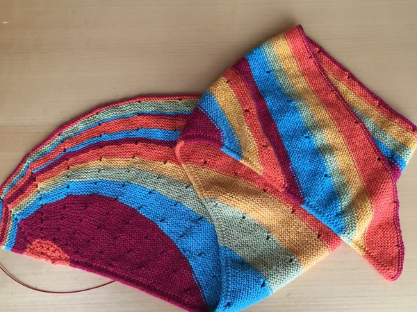 Dotted Rays Shawl in Rainbow Sprinkles Caron Cakes