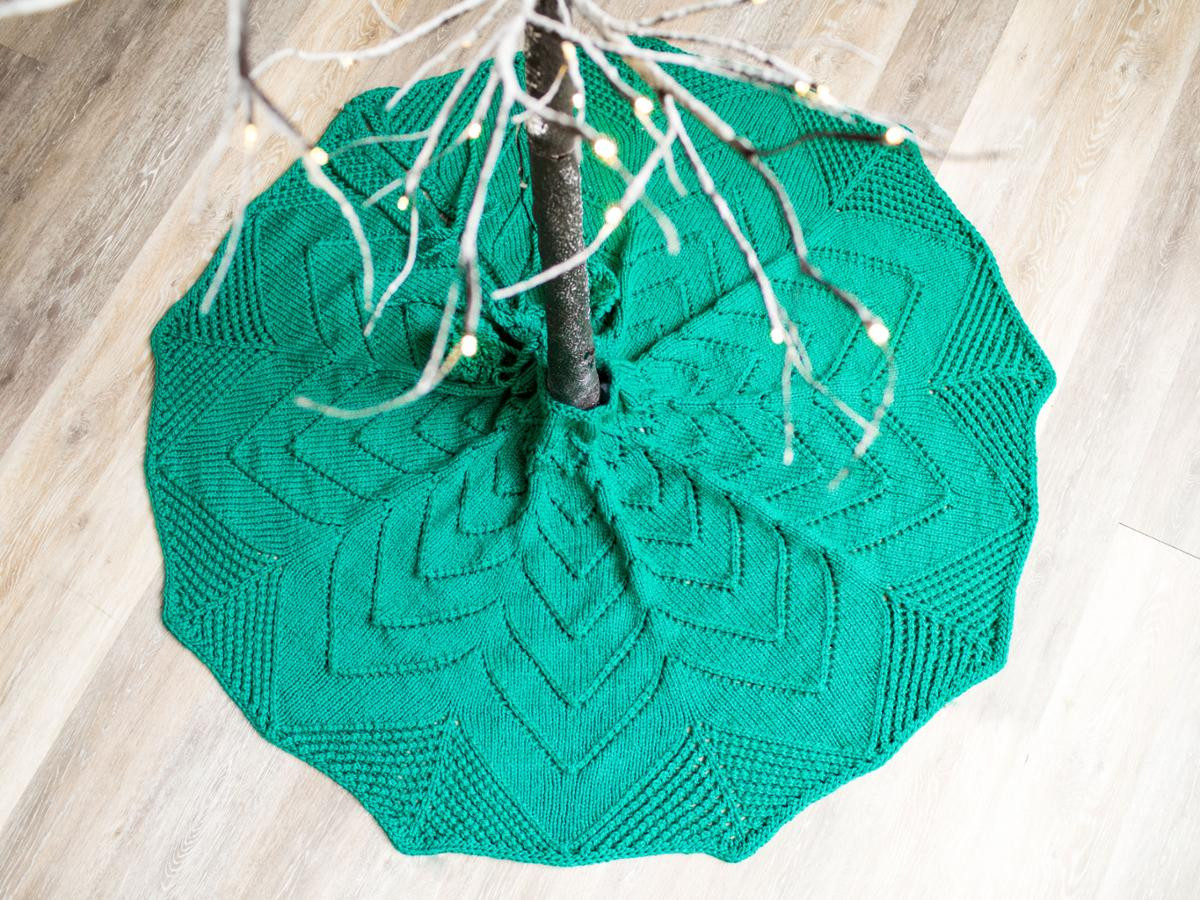 Best Of Dressing Up the Tree Skirt Knitting Kit Knit Tree Skirt Pattern Of Delightful 49 Images Knit Tree Skirt Pattern