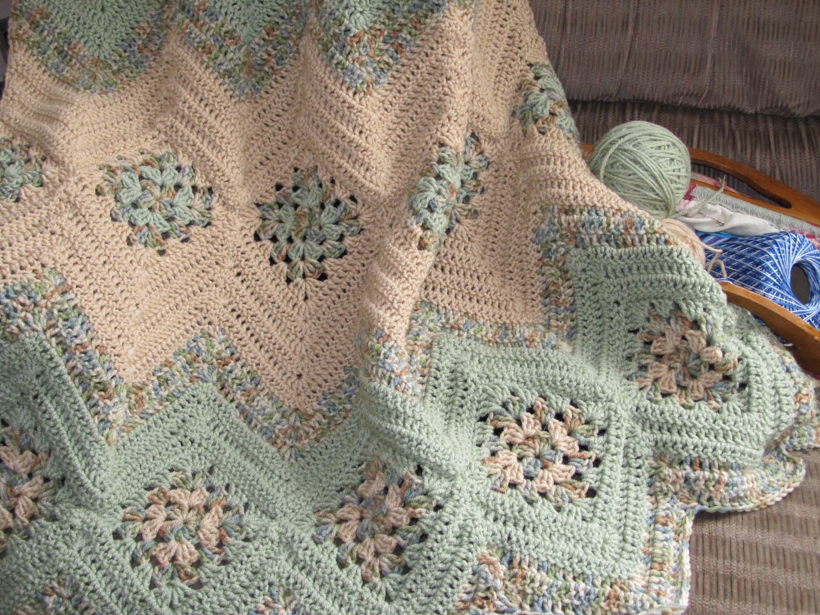 Best Of Grannies & Ripples Crochet Afghan [free Pattern] Crochet Granny Square Afghan Of Beautiful 46 Pictures Crochet Granny Square Afghan